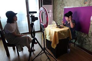 Filmowała swoją babcię, Park Makrye, żeby ją uchronić przed demencją. Zrobiła z niej gwiazdę internetu