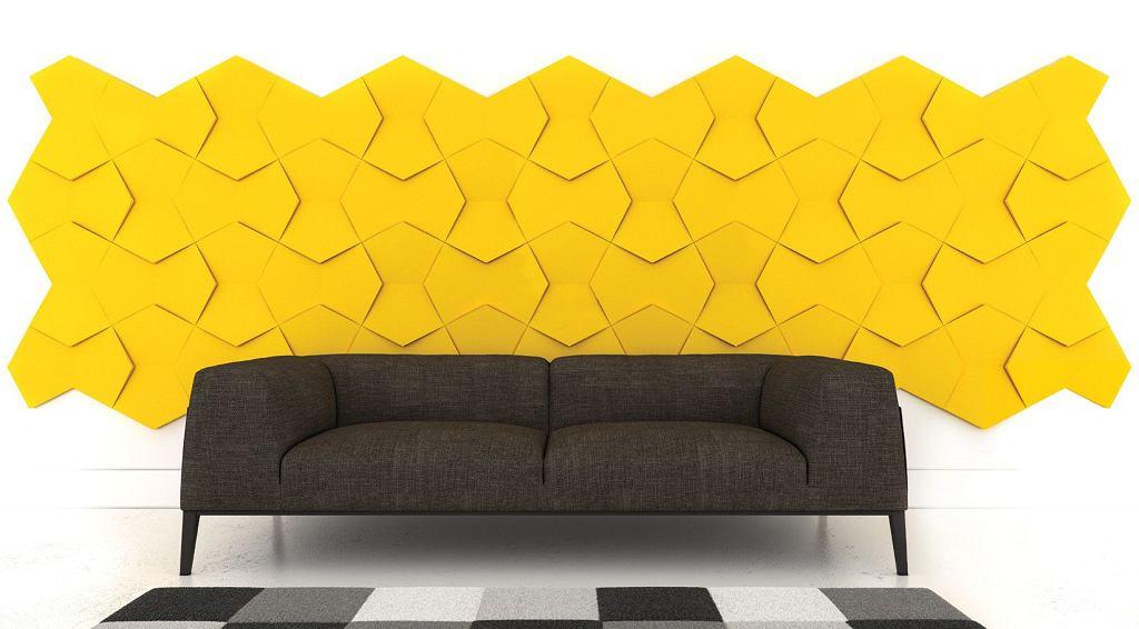 Kolekcja Nexus. Delikatny wzór, po ułożeniu tworzący efekt 3d. Bardzo dobrze sprawdza się jako dekoracja bez wpasowania paneli pomiędzy boczne ściany i sufit. Bliźniaczy wzór dla kolekcji Chain, Fluffo.