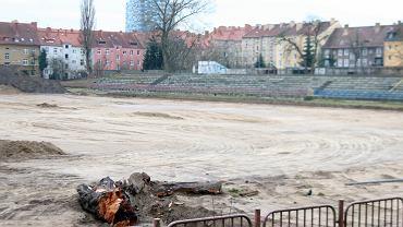 Sobota, 6 lutego 2021 r. Budowa stadionu lekkoatletycznego w Gorzowie. Inwestycja ma być skończona na wiosnę 2022 r.
