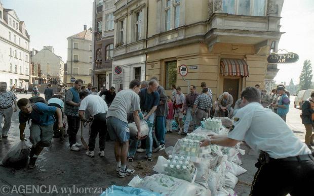 Zdjęcie numer 37 w galerii - 17 lat temu Odra zalała Wrocław. Tak wyglądało miasto [FOTO]
