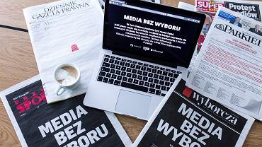 10 lutego wszystkie największe media w Polsce zaprotestowały przeciw planom nałożenia na nie dodatkowych podatków od przychodów z reklam