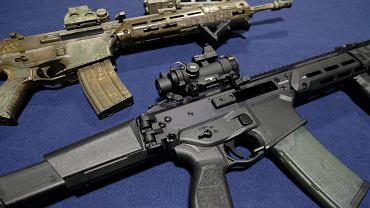 Rocznica masakry w Parkland. Biden chce zaostrzenia prawa do posiadania broni