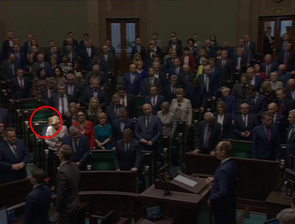 Posłanka Krystyna Pawłowicz nie wstała podczas minuty ciszy