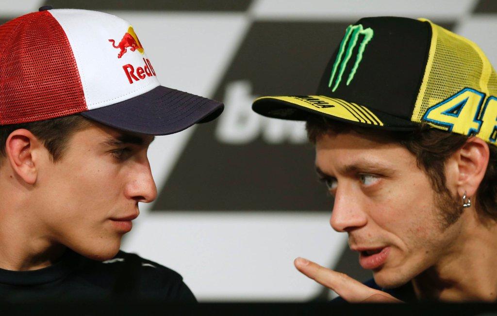 Pogawędka Marqueza i Rossiego na konferencji prasowej przed wyścigiem