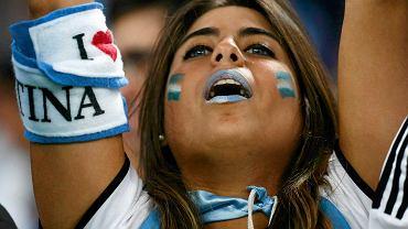 Czwarty dzień mundialu w Brazylii zakończył mecz Argentyny z Bośnią i Hercegowiną. Piłkarze Albicelestes mogli liczyć na doping pięknej rodaczki