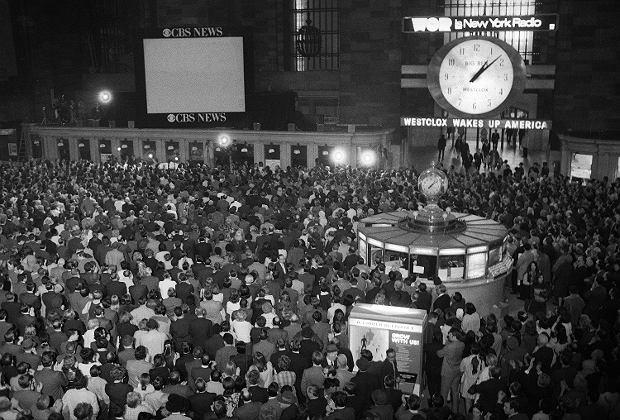 17 kwietnia 1970 r., tłumy na nowojorskiej Grand Central Station  czekają na powrót astronautów z Apollo 11