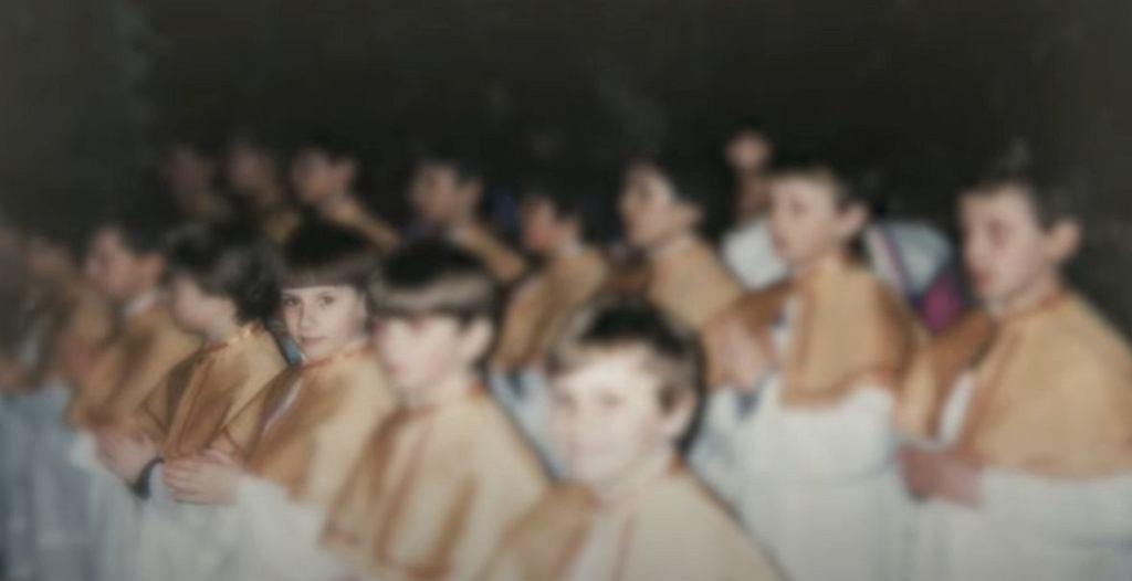 'Zabawa w chowanego' Tomasza i Marka Sekielskich. Kadr z zapowiedzi filmu