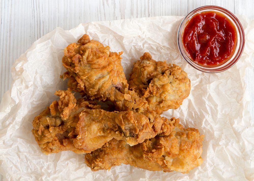 Kurczak jak z KFC to jeden z najchętniej odtwarzanych przez nas przepisów
