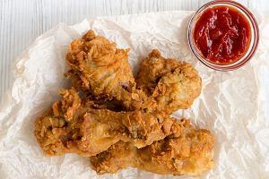 Kurczak jak z KFC - przepis na chrupiące kąski z kurczaka, które zawładną twoim talerzem