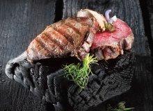 Steki z polędwicy z musem z foie gras, miodu pitnego i szałwii - ugotuj