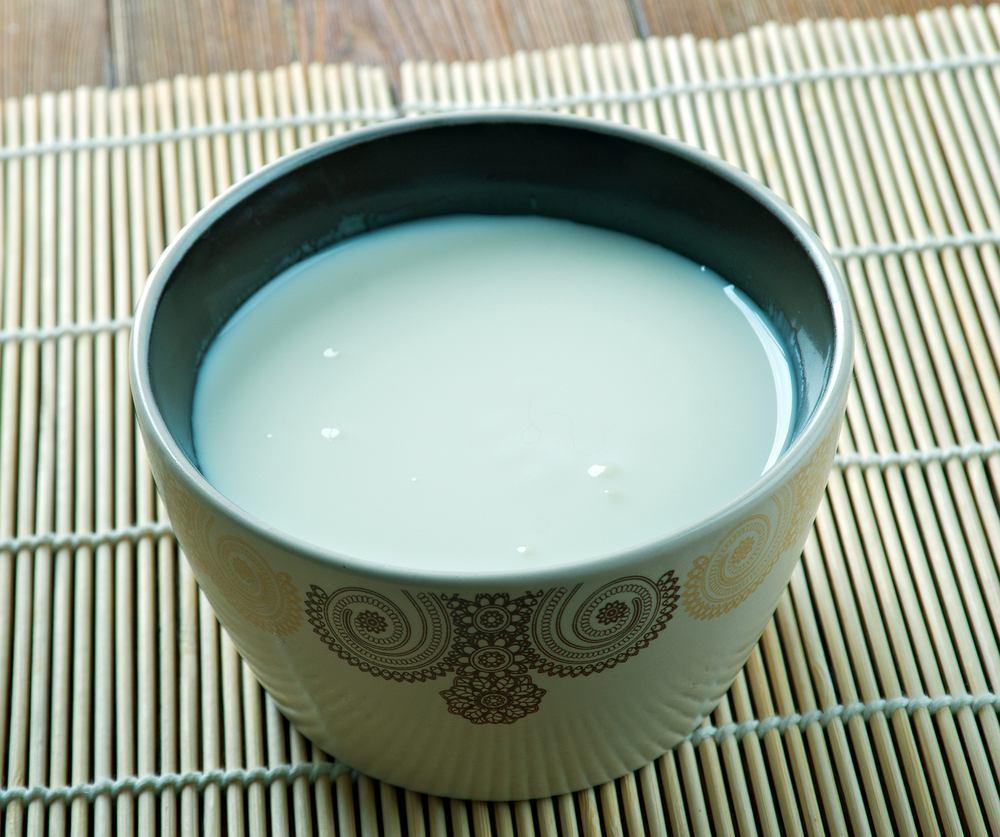 Chal to tradycyjny turkmeński napój wytwarzany ze sfermentowanego mleka wielbłąda