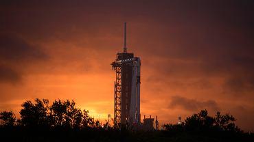 SpaceX i NASA tworzą historię. Jest zielone światło. Elon Musk pokazał rakietę Falcon 9