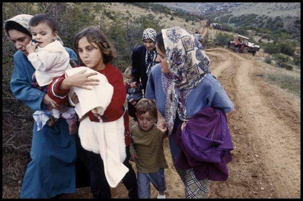 Syryjskie kobiety uciekają przed wojną (Fot. unhcr.org)