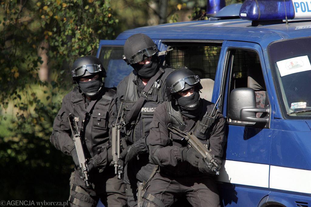 Zdjęcie ilustracyjne / Mężczyzna zabarykadował się w domu w Komorowie