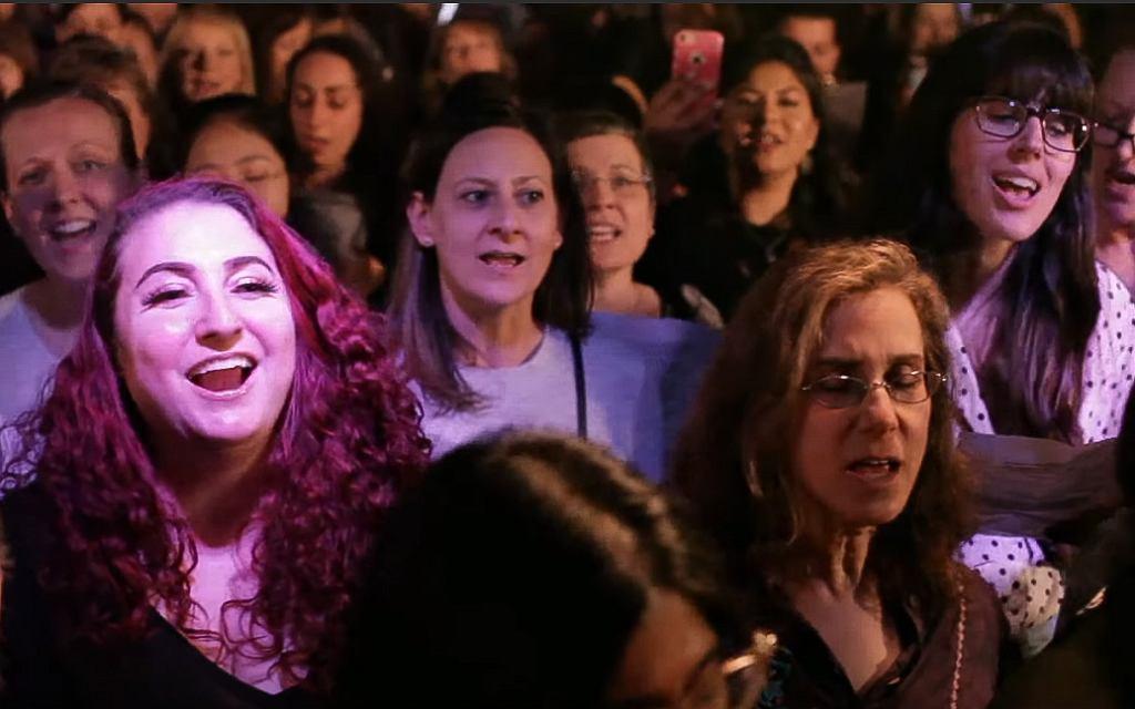 Choir! Choir! Choir! sings Beyoncé 'Halo'