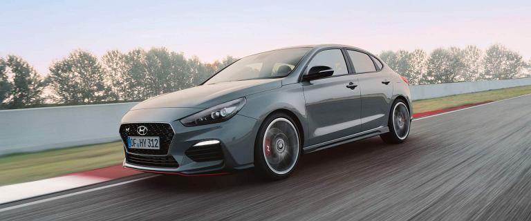 Hyundai grozi Volkswagenowi ? bitwa popularnych kompaktów