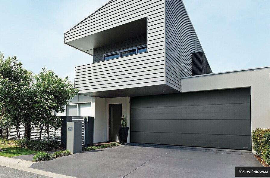 Brama garażowa powinna komponować się z pozostałymi elementami domu