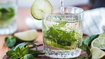 Sassy Water, czyli woda na odchudzanie. Z czego się składa?