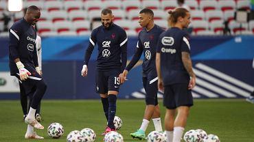 Kolega namawia Mbappe na transfer do Realu.