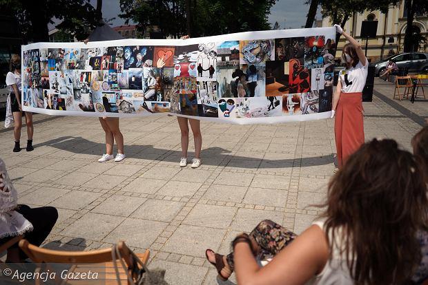 Zdjęcie numer 5 w galerii - Młodzi plastycy przekonywali częstochowian: Kultura nie boli [ZDJĘCIA]