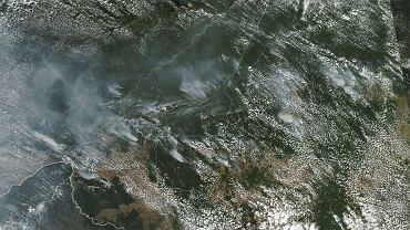 Pożary trawiące Amazonię, widoczne z orbity okołoziemskiej