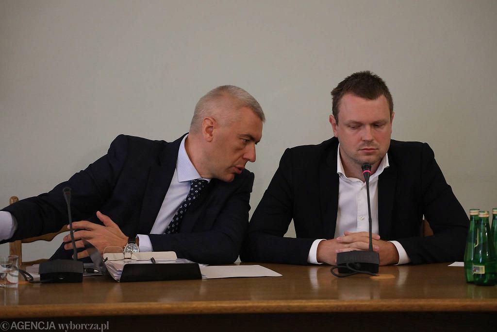 Michał Tusk i jego adwokat Roman Giertych podczas przesłuchania przed komisją ds. afery Amber Gold. Warszawa, 21 czerwca 2016