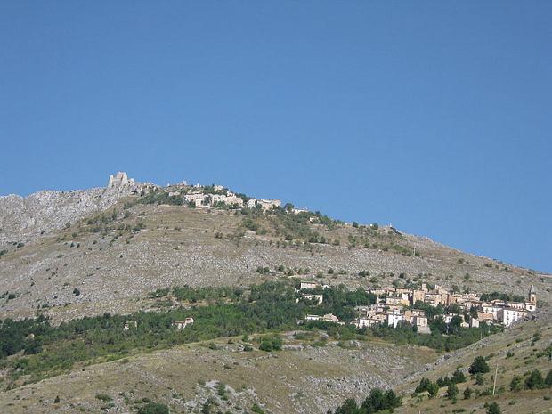 Calascio e la Rocca (L'Aquila)