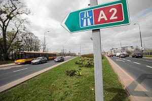 Są znaki kierujące na autostradę. Jak na nie trafić?