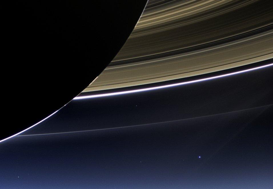 Ziemia widziana z Saturna