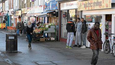 Lincoln Road w Peterborough. W latach 50. miasto przyjmowało Włochów, 20 lat później - obywateli Indii i Pakistanu. Fala imigracji z Europy Środkowo-Wschodniej jest największa