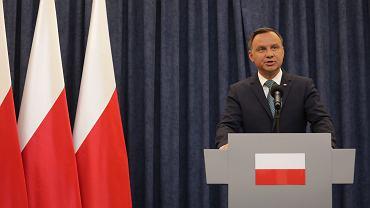 Prezydent Andrzej Duda oświadcza, że zawetuje dwie z trzech pisowskich ustaw ograniczających niezależność sądownictwa (o KRS i Sądzie Najwyższym). Warszawa, 24 lipca 2017