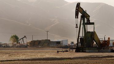 Szyb naftowy (zdjęcie ilustracyjne)