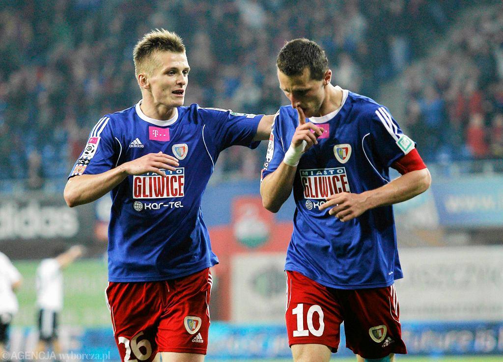 Kamil Wilczek (z prawej) jeszcze w barwach Piasta Gliwice