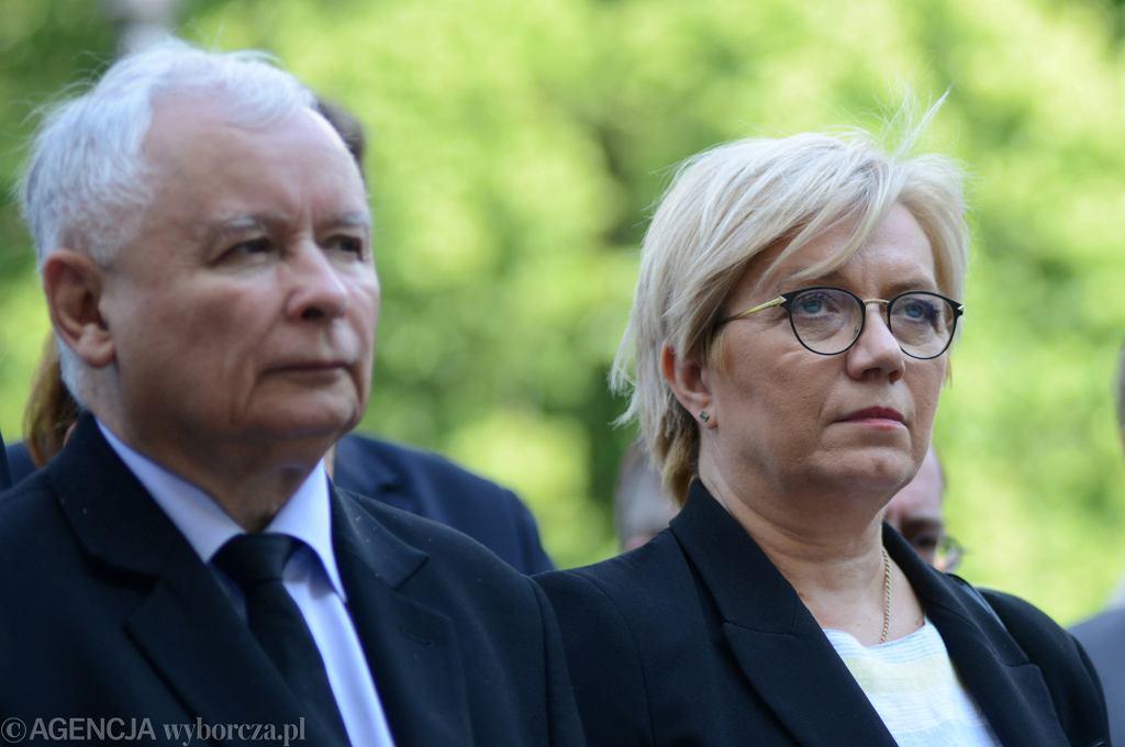 Julia Przyłębska - już bez żadnego skrępowania, wstydu, udawania - podejmuje decyzje zawsze jakoś zgodne z linią partyjną PiS.