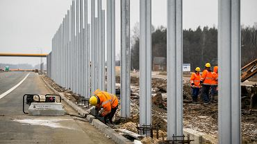 Praca - budowa drogi.