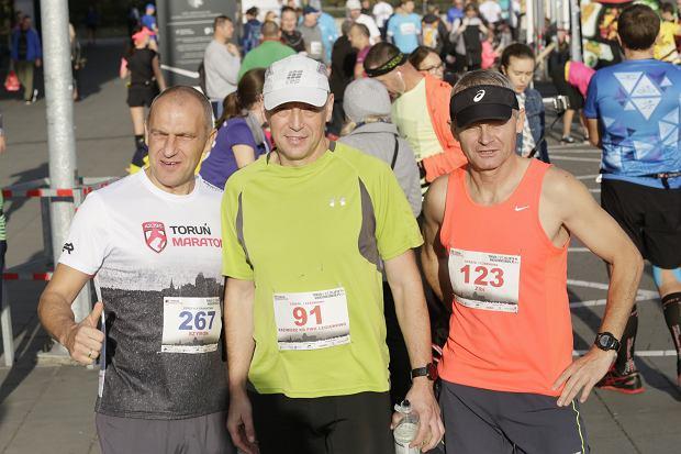 Zdjęcie numer 7 w galerii - Ponad 1200 biegaczy na starcie 37. Toruń Maraton, wygrał Łukasz Oskierko [ZDJĘCIA]
