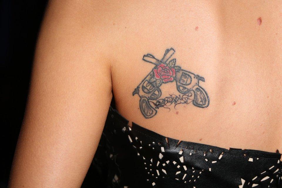 Internauci Krytykowali Szulim Za Jej Tatuaż Z Inicjałami