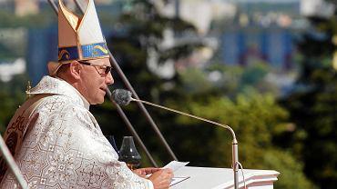 Prymas o raporcie Terlikowskiego: Kościół musi stawać po stronie pokrzywdzonych