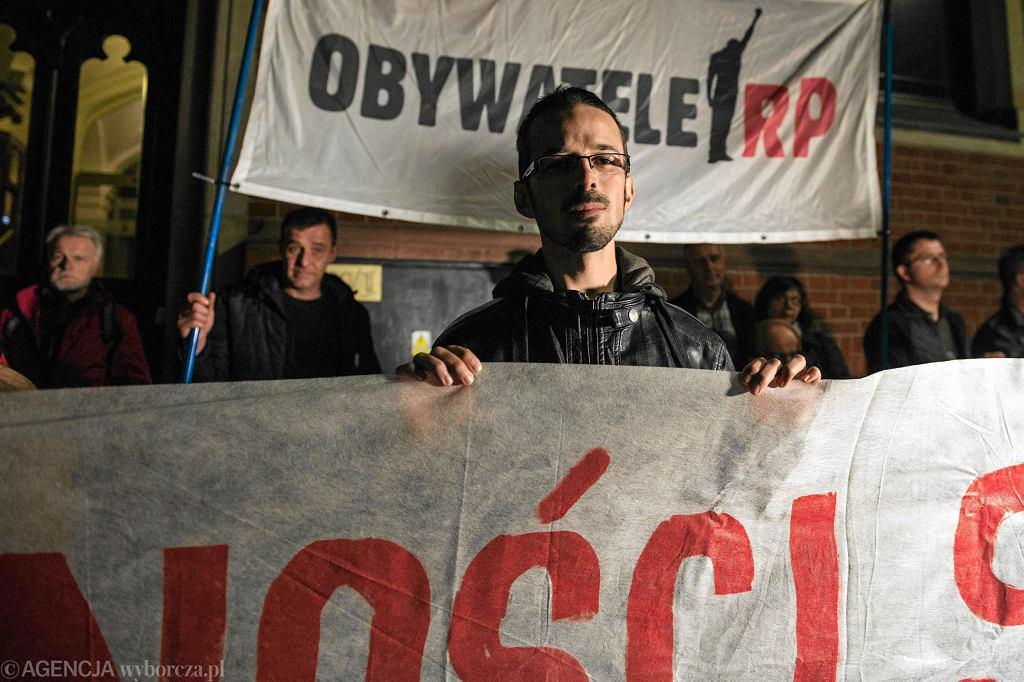 Manifestacja w obronie niezależności sądów pod sadem Rejonowym we Wrocławiu, 30 września 2017