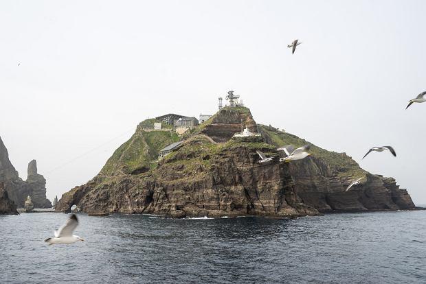 Archipelag Dokdo składa się z kilkudziesięciu maleńkich wysp, które zamieszkuje tylko jedna osoba.