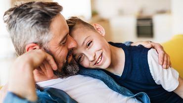 Relacje w rodzinie. Seksuolog: Gender nie polega na tym, że matki mają zastępować ojców iodwrotnie