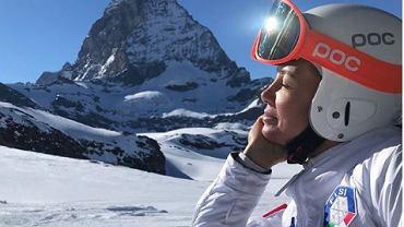Kinga Rusin kocha białe szaleństwo na nartach.