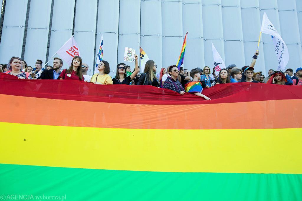 flaga, LGBT (zdjęcie ilustracyjne)