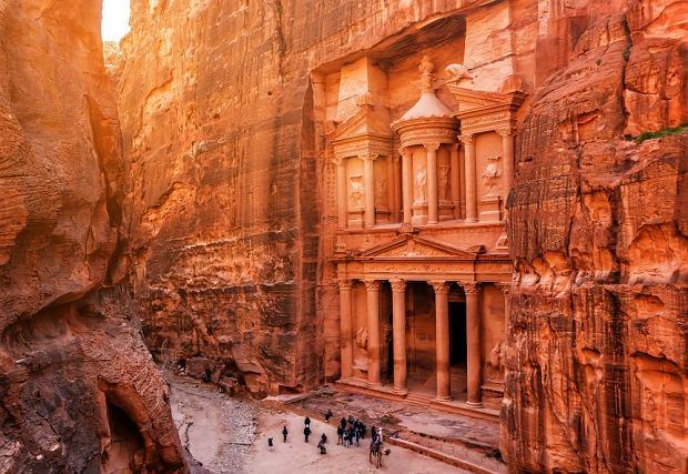 Baśniowa Jordania teraz na wyciągnięcie ręki! Zwiedzaj wspaniałe miejsca w supercenie