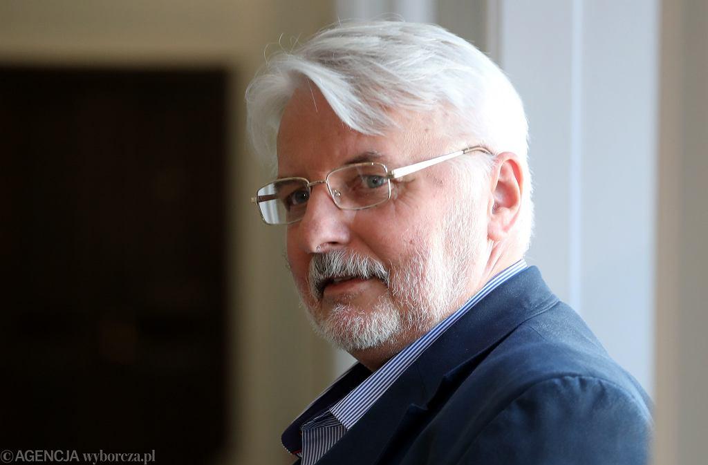 Strajk nauczycieli. Witold Waszczykowski chce pomóc. 'Mogę prowadzić lekcje historii, WOS-u'