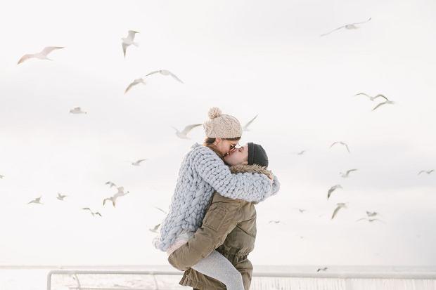 Wolimy naturalne pocałunki, usta zadbane i nawilżone, boimy się kolorowych szminek