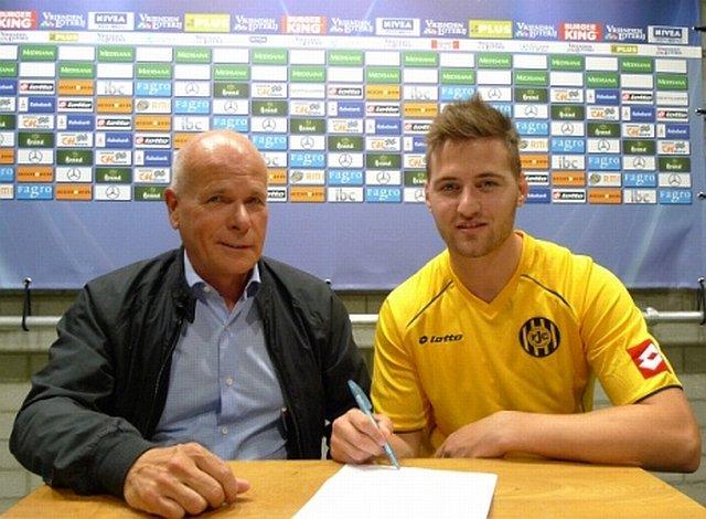 Tamas Kadar podpisuje kontrakt z Rodą Kerkrade