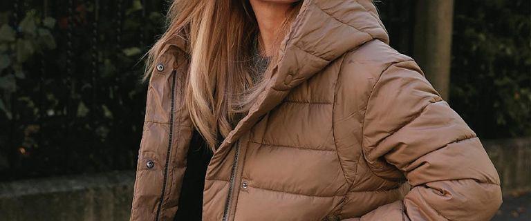 Ten model kurtki zawładnął ulicami Nowego Jorku! Pokochały go celebrytki i blogerki, a na wyprzedaży kupisz go w cenie jak z sieciówki