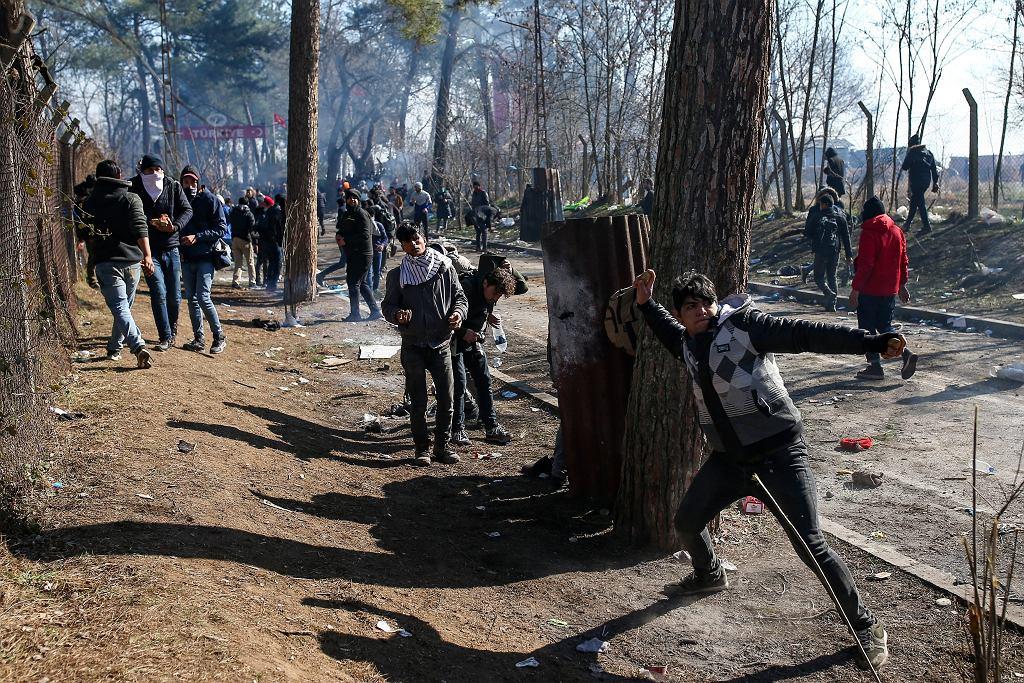 29.02.2020 Turcja. Edirne. Zamieszki na przejściu granicznym z Grecją.