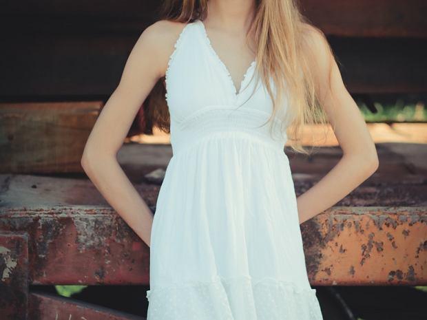 sukienki dla niskich kobiet
